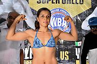 """MONTERIA - COLOMBIA, 18-05-2018:Pesaje de la boxeadora Liliana """"La Tigresa"""" Palmera de Montería , antes de la pelea por la defensa de su títiulo Mundial Super Gallo contra Yazmín Rivas de México a realizarse el coliseo """"Happy Lora """" de esta ciudad , mañana Sábado ./Weighing of the boxer Liliana """"La Tigresa"""" Palmera de Montería, before the fight for the defense of her World Super Gallo title against Yazmin Rivas of Mexico to be held at the """"Happy Lora"""" Coliseum of this city tomorrow Saturday. Photo: VizzorImage / Andrés Felipe López Vargas / Contribuidor"""