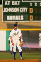 Burlington second baseman Kyle Martin (21) on defense versus Johnson City at Burlington Athletic Park in Burlington, NC, Saturday, August 25, 2007.