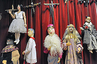 - Milano, il teatro di Gianni e Cosetta Colla, compagnia di marionette ed attori..... Milan, the the theater of Gianni and Cosetta Colla, company of puppets and actors