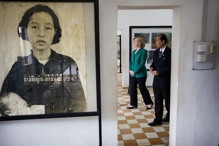US Secretary of State Hillary Clinton is given a personal tour of Tuol Sleng genocide museum, also known as S-21, in Phnom Penh, Cambodia, November 1, 2010. The Secretary of State was in Cambodia on a 2-day visit.