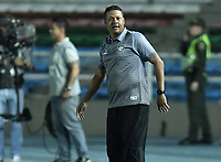 CALI - COLOMBIA, 11-02-2020: Alejandro Guerrero técnico del Boca Cali gesticula durante partido por la fecha 2 de la Torneo BetPlay DIMAYOR I 2020 entre Boca Juniors de Cali y Barranquilla F.C. jugado en el estadio Pascual Guerrero de la ciudad de Cali. / Alejandro Guerrero coach of Boca Cali gestures during match for the for the date 2 as part of BetPlay DIMAYOR Tournament I 2020 between Boca Juniors de Cali and Barranquilla F.C. played at Pascual Guerrero stadium in Cali. Photo: VizzorImage / Gabriel Aponte / Staff