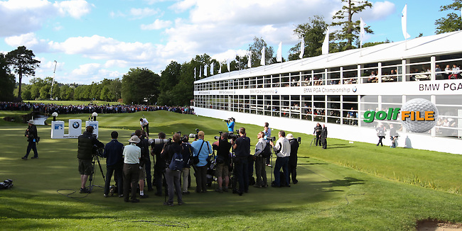 The media gather for the prize ceremony during the Final Round of the BMW PGA Championship from Wentworth Golf Club, Virginia Waters, London, UK. Picture:  David Lloyd / www.golffile.ie