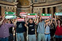 Roma 13 Giugno 2012.Manifestazione  di studenti e precari contro  il DDL Fornero e contro la diseguaglianza economica e sociale. I manifestanti hanno occupato il Pantheon