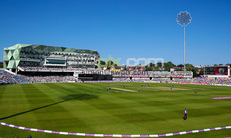 Picture by Alex Whitehead/SWpix.com - 06/09/2015 - Cricket - Royal London One-Day Cup, Semi-Final - Yorkshire CCC v Gloucestershire CCC - Headingley Cricket Ground, Leeds, England - A General View (GV).