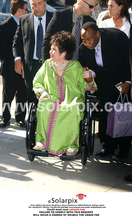 ALL ROUND PICTURES FROM SOLARPIX.COM.*MUST CREDIT SOLARPIX.COM OR DOUBLE FEE WILL BE CHARGED*.Dame Elizabeth Taylor arrives at CNN to do an hour long interview with Larry King to dispel rumours 'she isn't on her death bed' and not suffering with 'Alzheimer's disease on May 30, 2006...DATE:31.05.06-JOB REF:2436-GLS