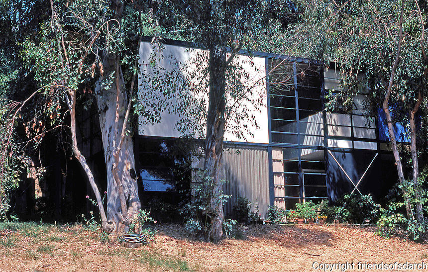 Charles Eames: Eames House, Pacific Pallisades, 1947-49. (Photo '78)
