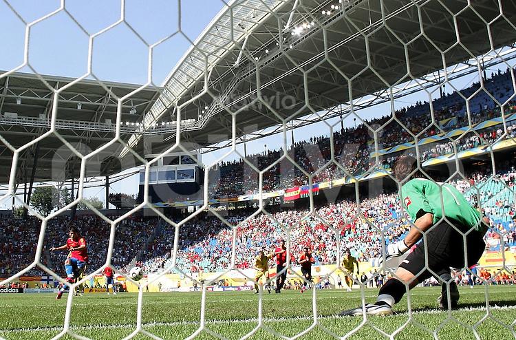 Fussball WM 2006  Gruppenspiel  Vorrunde Gruppe H  Spanien - Ukraine  Elfmeter - Tor zum 3:0