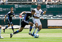 June 20, 2009: Pablo Campos of Earthquakes and Chris Klein of Galaxy tfight for the ball during a game at Coliseum in Oakland, California. San Jose Earthquakes defeated Los Angeles, 2-1
