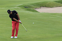 Byeong Hun An (KOR) chips onto the 4th green during Friday's Round 2 of the 117th U.S. Open Championship 2017 held at Erin Hills, Erin, Wisconsin, USA. 16th June 2017.<br /> Picture: Eoin Clarke | Golffile<br /> <br /> <br /> All photos usage must carry mandatory copyright credit (&copy; Golffile | Eoin Clarke)