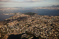 Guanabara bay pollution, Governor Island ( Ilha do Governador ), the largest island in Guanabara Bay - densely populated, it has a population of about 500,000 inhabitants, in a small area of 42 km2 (16 sq mi).