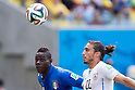Mario Balotelli (ITA), Martin Caceres (URU), JUNE 24, 2014 - Football / Soccer : FIFA World Cup Brazil 2014 Group D match between Italy 0-1 Uruguay at Estadio das Dunas in Natal, Brazil. (Photo by Maurizio Borsari/AFLO)