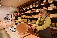 Europe/France/Rhône-Alpes/74/Haute Savoie/ Thonon-les-Bains: Valérie Royer  et son fromage AOC Abondance, Fromagerie Boujon