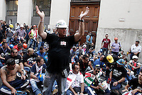 Operai della multinazionale Alcoa protestano contro l'annunciata chiusura dello stabilimento sardo per la produzione di alluminio di Portovesme, davanti alla sede del Ministero dello Sviluppo Economico a Roma, 10 settembre 2012. .Alcoa multinational company's workers attend a protest against the shutdown of the Sardinian alluminum plant of Portovesme, outside of the Economic Development Ministry in Rome, 10 September 2012..UPDATE IMAGES PRESS/Riccardo De Luca