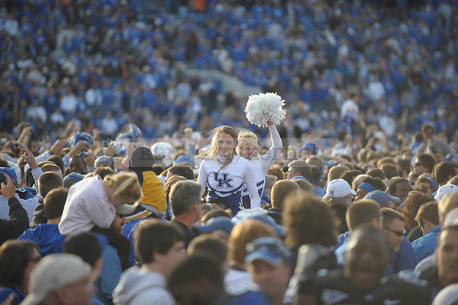 during the second half of the University of Kentucky football game against Tennessee at Commonwealth Stadium in Lexington, Ky., on 11/26/11. Uk won the game 10-7. Photo by Mike Weaver | Staff