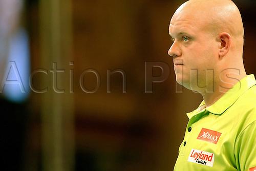 24.07.2016. Empress Ballroom, Blackpool, England. BetVictor World Matchplay Darts. Michael van Gerwen looks at the scoreboard for next dart