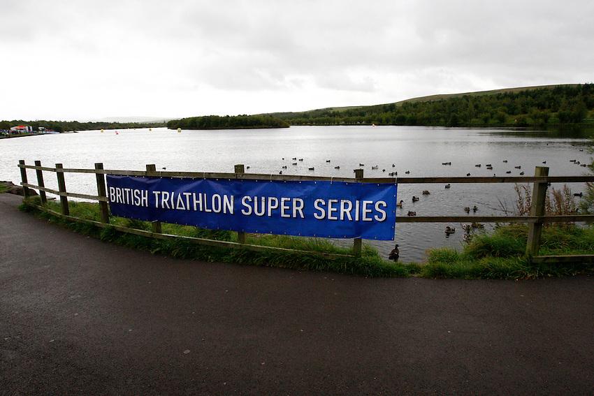 Photo: Richard Lane/Richard Lane Photography. GE Parc Bryn Bach Triathlon. 19/09/2010.  Bryn Bach Lake.