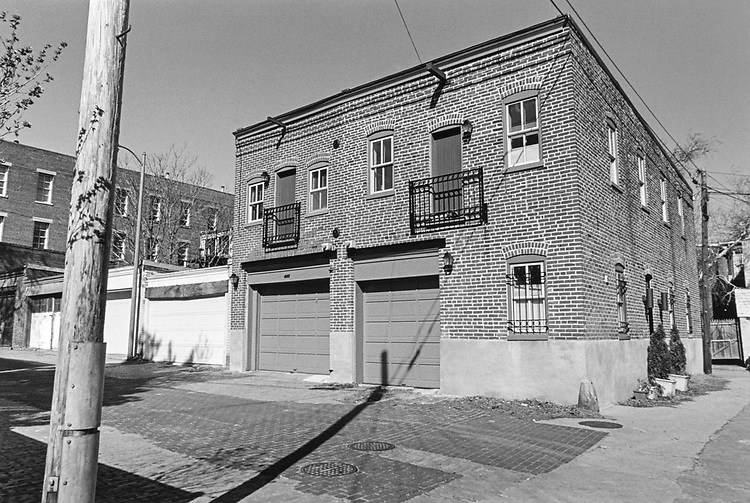 Carriage House, 645 Ast NE, in alley on Feb. 27, 1997. (Photo by Laura Patterson/CQ Roll Call via Getty Images)