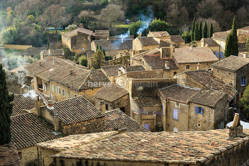 France, Ardèche (07), Saint-Montan, les toits des maisons du village // France, Ardeche, Saint Montan