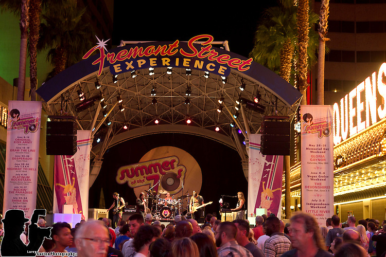 """Summer of the '70s"" welcomes Escape,  Journey tribute band. Performing free concerts August 17-21,  multi-platinum selling hits like ""Don't Stop Believin',"" ""Open Arms,"" ""Any Way You Want It,"" and ""Separate Ways."" Escape will perform three sets a night - at 9, 10 and 11 p.m. -- each starting after the top-of-the-hour Viva Vision shows."