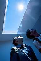 coelux, finta finestra con un sistema di illuminazione Led che ricrea la luce naturale