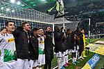 01.12.2019, Borussia-Park - Stadion, Moenchengladbach, GER, DFL, 1. BL, Borussia Moenchengladbach vs. SC Freiburg, DFL regulations prohibit any use of photographs as image sequences and/or quasi-video<br /> <br /> im Bild die Mannschaft von Moenchengladbach feiert den Sieg Schlussjubel / Schlußjubel / Emotion / Freude / <br /> <br /> Foto © nordphoto/Mauelshagen