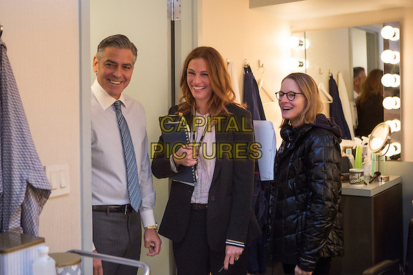 Money Monster (2016) <br /> Behind the scenes photo of George Clooney, Julia Roberts &amp; Jodie Foster (Director) <br /> *Filmstill - Editorial Use Only*<br /> CAP/KFS<br /> Image supplied by Capital Pictures