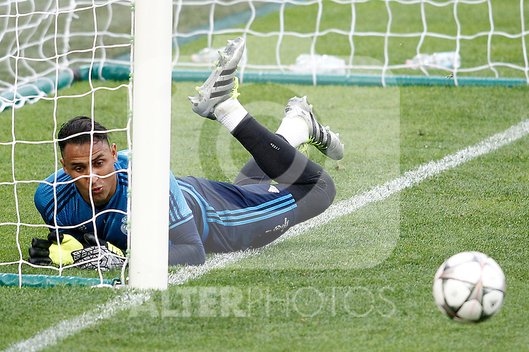Real Madrid's Keylor Navas during Champions League 2015/2016 training session. May 27,2016. (ALTERPHOTOS/Acero)