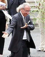 Il musicista Gianni Mazza arriva al matrimonio tra la modella Elisabetta Gregoraci ed il team manager della Renault Formula Uno Flavio Briatore  alla Chiesa di Santo Spirito in Sassia, Roma, 14 giugno 2008..Italian musician Gianni Mazza arrives for the wedding ceremony between top model Elisabetta Gregoraci and Renault F1 boss Flavio Briatore at St. Spirito in Sassia's church in Rome, 14 june 2008..UPDATE IMAGES PRESS/Riccardo De Luca