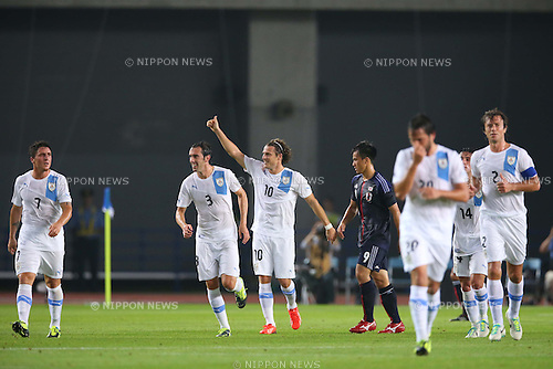 Uruguay team group (URU), <br /> AUGUST 14, 2013 - Football / Soccer : <br /> KIRIN Challenge Cup 2013 match <br /> between Japan 2-4 Uruguay <br /> at Miyagi Stadium, Miyagi, Japan.<br />  (Photo by AFLO SPORT)