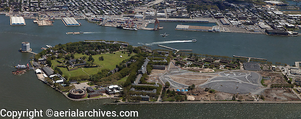 aerial photograph Governors Island, Manhattan, New York City