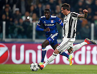 Calcio, Champions League: Gruppo H, Juventus vs Lione. Torino, Juventus Stadium, 2 novembre 2016. <br /> Juventus&rsquo; Mario Mandzukic kicks the ball during the Champions League Group H football match between Juventus and Lyon at Turin's Juventus Stadium, 2 November 2016. The game ended 1-1.<br /> UPDATE IMAGES PRESS/Isabella Bonotto