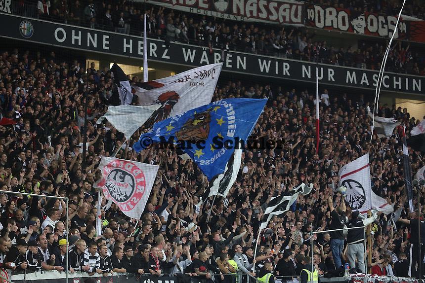 Fans von Eintracht Frankfurt jubeln - 1. Spieltag der UEFA Europa League Eintracht Frankfurt vs. Girondins Bordeaux