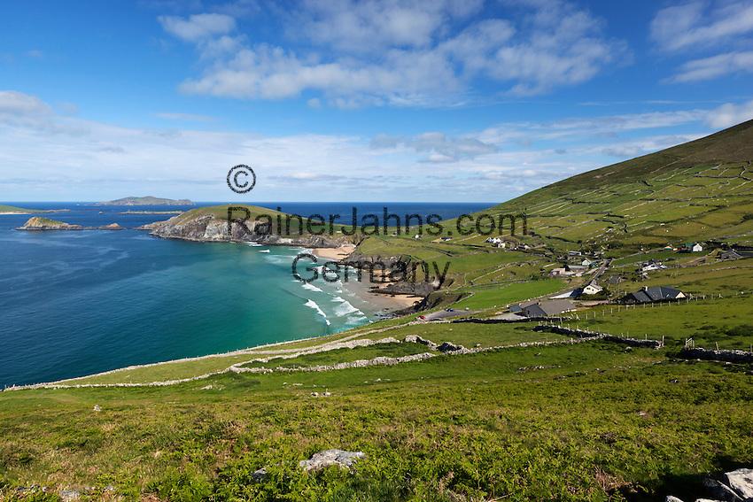 Ireland, County Kerry, The Dingle Peninsula: View over Slea Head to Blasket Sound and islands | Irland, County Kerry, Dingle Halbinsel, Blick ueber Slea Head zum Blasket Sound