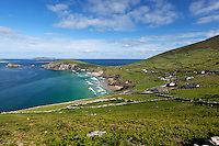 Ireland, County Kerry, The Dingle Peninsula: View over Slea Head to Blasket Sound and islands | Irland, County Kerry, Dingle Halbinsel, Blick ueber Slea Head zum Blasket Sound