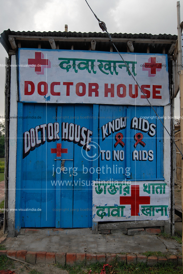 "Asien Suedasien Indien Westbengalen Gangesdelta Sundarbans , Sagar Island, Bretterbude eines Arzt mit HIV Aids Aufklaerung - laendliche Entwicklung  | .South asia India Ganges river delta Sundarbans in West-Bengal , Sagar Island , doctor house with HIV Aids sign board - rural development | [ copyright (c) Joerg Boethling / agenda , Veroeffentlichung nur gegen Honorar und Belegexemplar an / publication only with royalties and copy to:  agenda PG   Rothestr. 66   Germany D-22765 Hamburg   ph. ++49 40 391 907 14   e-mail: boethling@agenda-fototext.de   www.agenda-fototext.de   Bank: Hamburger Sparkasse  BLZ 200 505 50  Kto. 1281 120 178   IBAN: DE96 2005 0550 1281 1201 78   BIC: ""HASPDEHH"" ,  WEITERE MOTIVE ZU DIESEM THEMA SIND VORHANDEN!! MORE PICTURES ON THIS SUBJECT AVAILABLE!!  ] [#0,26,121#]"