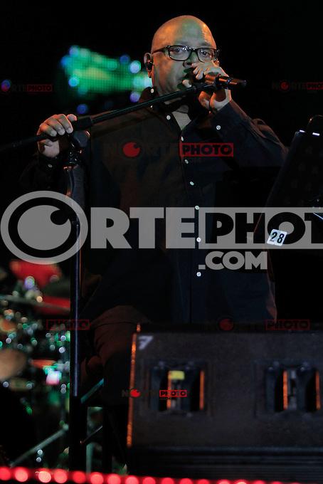 El cantante Cubano  Pablo Milanes durante su concierto en las Noches de Gala en plaza Alonso Vidal, Fiestas del Pitic. *Hermosillo*Sonora*Mexico*26*05*2012*<br /> ...*Photo:&copy;*Baldemar de los Llanos/NortePhoto.com