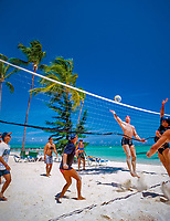 Dominikanische Republik, Punta Cana, Playa Bavaro, Beachvolleyball | Dominican Republic, Punta Cana, Bavaro beach, beach volleyball