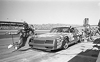 Tommy Ellis 18 Chevrolet pits pit stop Daytona 500 at Daytona International Speedway in Daytona Beach, FL in February 1986. (Photo by Brian Cleary/www.bcpix.com) Daytona 500, Daytona International Speedway, Daytona Beach, FL, February 16, 1986.  (Photo by Brian Cleary/www.bcpix.com)