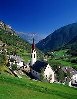 Italy, South Tyrol, Alto Adige, Val Martello, village Martello, view into Val Venosta   Italien, Suedtirol, Martelltal, Dorf Martell mit Blick ins Vinschgau