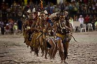 IV Jogos Tradicionais  Indígenas do Pará.<br /> <br /> Pataxós da Bahia  apresentam dança.<br /> <br /> Quinza etnias participam dos  IV Jogos Indígenas, iniciados neste na íntima sexta feira. Aikewara (de São Domingos do Capim), Araweté (de Altamira), Assurini do Tocantins (de Tucuruí), Assurini do Xingu (de Altamira), Gavião Kiykatejê (de Bom Jesus do Tocantins), Gavião Parkatejê (de Bom Jesus do Tocantins), Guarani (de Jacundá), Kayapó (de Tucumã), Munduruku (de Jacareacanga), Parakanã (de Altamira), Tembé (de Paragominas), Xikrin (de Ourilândia do Norte), Wai Wai (de Oriximiná). Participam ainda as etnias convidadas - Pataxó (da Bahia) e Xerente (do Tocantins).<br /> Mais de 3 mil pessoas lotaram as arquibancadas da arena de competição.<br /> Praia de Marudá, Marapanim, Pará, Brasil.<br /> Foto Paulo Santos<br /> 76/09/2014