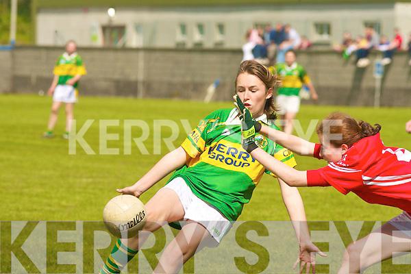 .6598.Kerry's Niamh Carmody and Cork's Siobhan Hutchinson..