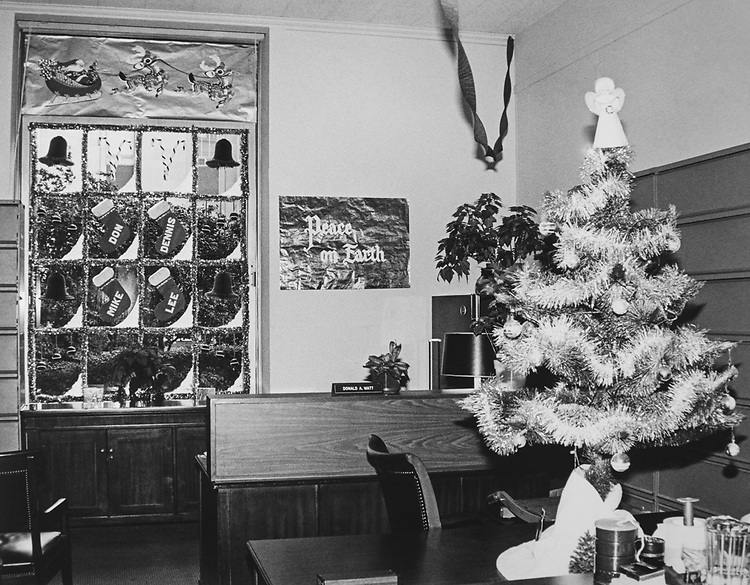 Decorated office of House Energy and Commerce Committee during Christmas contest at Rayburn House Office Building. (Photo by CQ Roll Call via Getty Images)