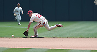 NWA Democrat-Gazette/J.T. WAMPLER Carson SHaddy fields the ball Sunday May 13, 2018 at Baum Stadium in Fayetteville. Arkansas won 6-3 to sweep the three game series against Texas A&M.