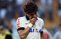 SAO PAULO SP, 14 Julho 2013 - Corinthians x Atletico MG.   Alexandre Pato  durante partida valida pela setima rodada do campeonato brasileiro de 2013  no Estadio do Pacaembu em  Sao Paulo, neste domingo , 14. (FOTO: ALAN MORICI / BRAZIL PHOTO PRESS).