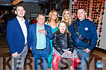 Joe Conway from Fairway Heights, Tralee celebrating his 30th birthday in Benners Hotel on Saturday night.  <br /> L-r, Alan, Pat, Carmel, Abbie, Amy and Joe Conway.
