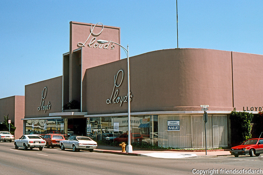 San Diego: Lloyd's Furniture, El Cajon Blvd.