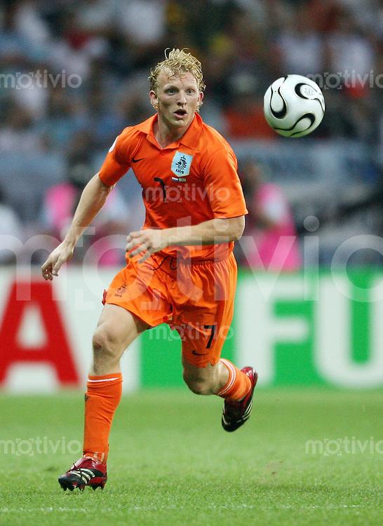 Fussball WM 2006  Gruppenspiel  Vorrunde    Holland -Argentinien Dirk KUYT (NED), Einzelaktion am Ball