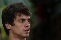 SÃO PAULO, SP, 16 DE SETEMBRO DE 2013 - TREINO SAO PAULO - O jogador Rodrigo Caio durante treino do São Paulo, no CT da Barra Funda, região oeste da capital, na tarde desta segunda feira, 16. FOTO: ALEXANDRE MOREIRA / BRAZIL PHOTO PRESS