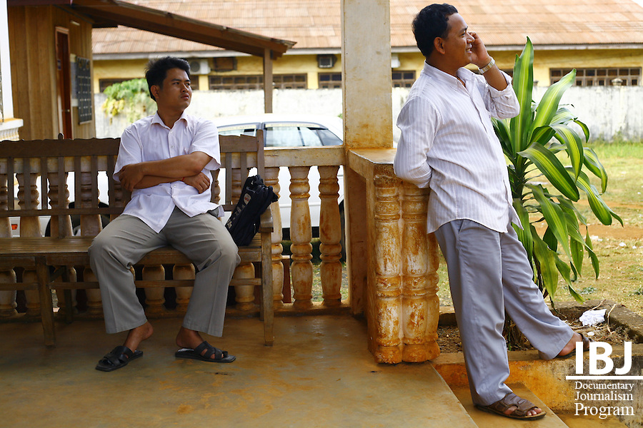 IBJ Lawyer Mao Sary and IBJ Investigator Chew Sophea ouside court in Banlung, Rattnakiri