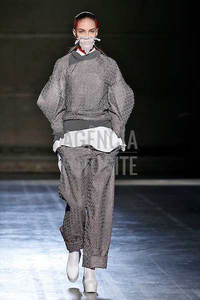 Paris, Franca – 02/2014 - Desfile de Masha Ma durante a Semana de moda de Paris - Inverno 2014. <br /> Foto: FOTOSITE